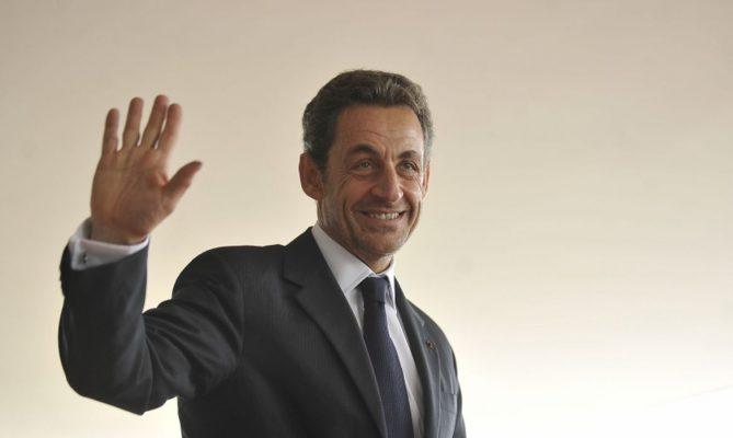 Nicolas Sarkozy é condenado a prisão por corrução