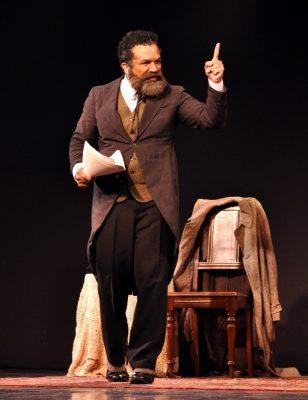 Deo Garcez atualmente está no ar em duas novelas