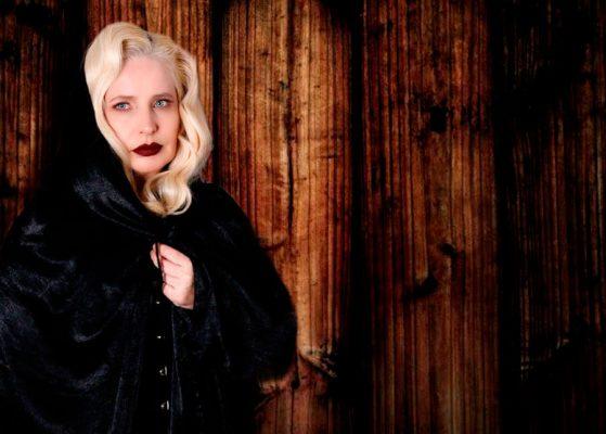 Atriz Rose Scalco está ON na revista MaisBonita