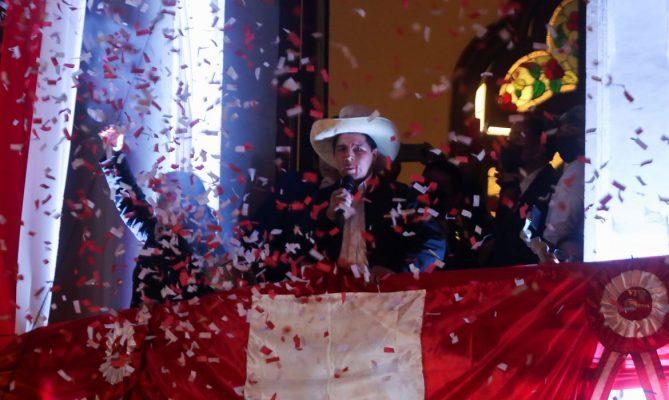Presidente eleito do Peru após longa batalha